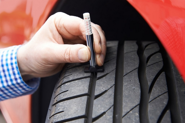 Check car tire