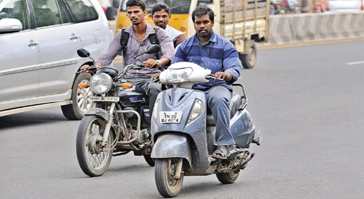 driving with no helmet