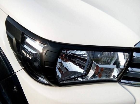 toyota hilux headlights