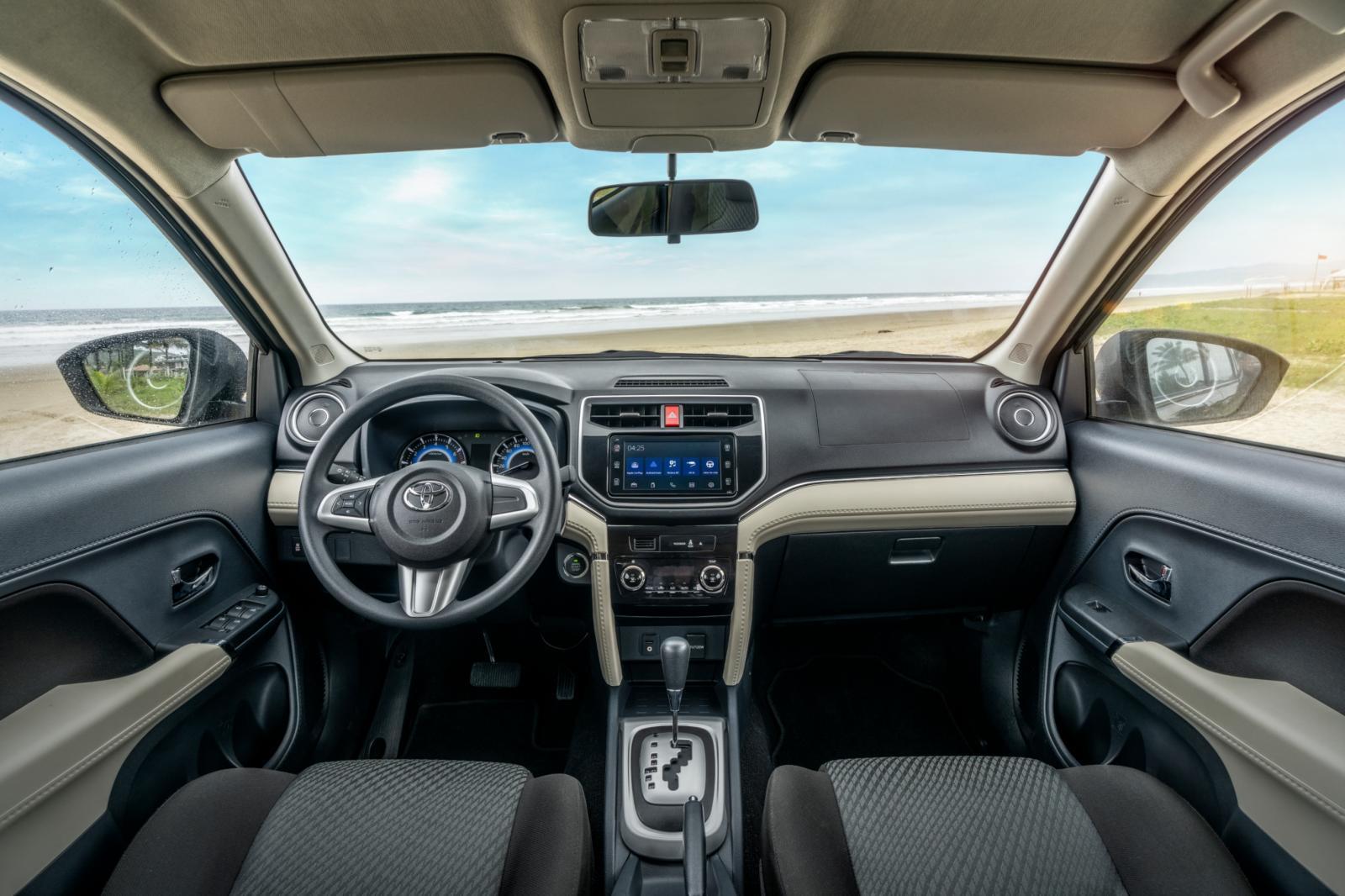 Toyota Rush interior