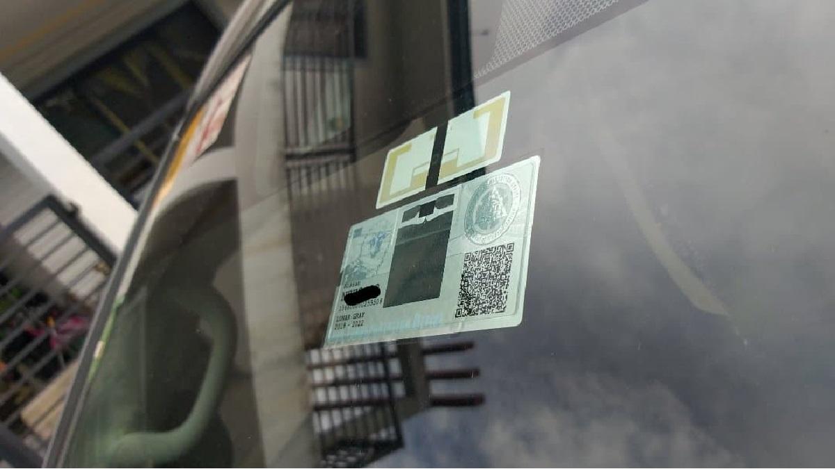 LTO RFID sticker on car