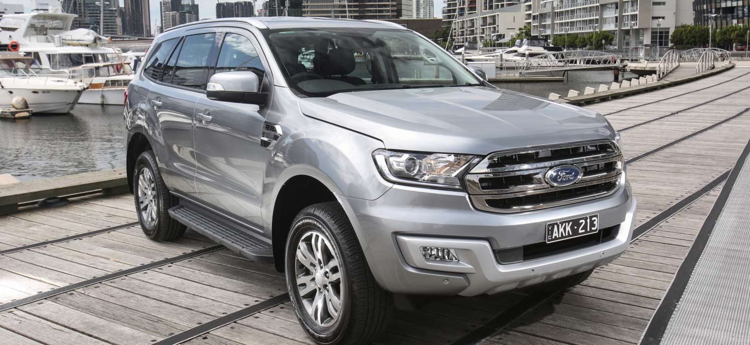 Ford Everest Ambiente 2017 exterior